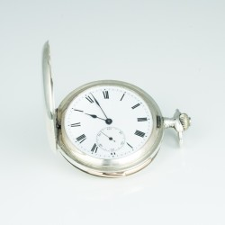 Sehr dünne Taschenuhr mit Minutenrepetition