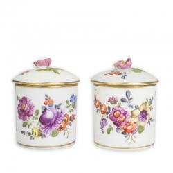 Zwei Döschen mit Blumendekor von Meissen